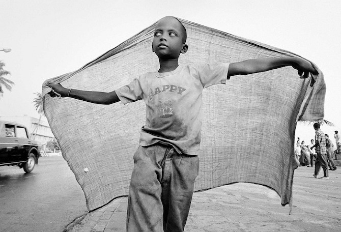 Bombay 1992 24 Children of Bombay by Dario Mitidieri in THISISPAPER MAGAZINE